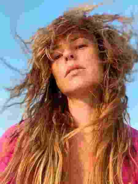 Paolla Oliveira brinca com cabelos ao vento - Reprodução/Instagram