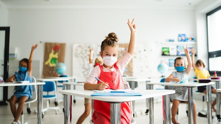 Os estudantes puderam regressar às aulas presenciais em 70% dos 23 países que compõem a organização - Getty Images