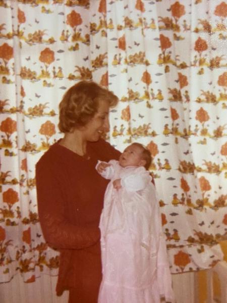 Neiva Menin Rossetto no batizado da filha, Cristina (31/03/1979) - Arquivo Pessoal
