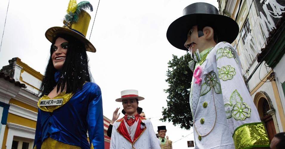 9.fev.2016 - Encontro de bonecos gigantes em Olinda tem 80 personagens, mas políticos ficaram de fora