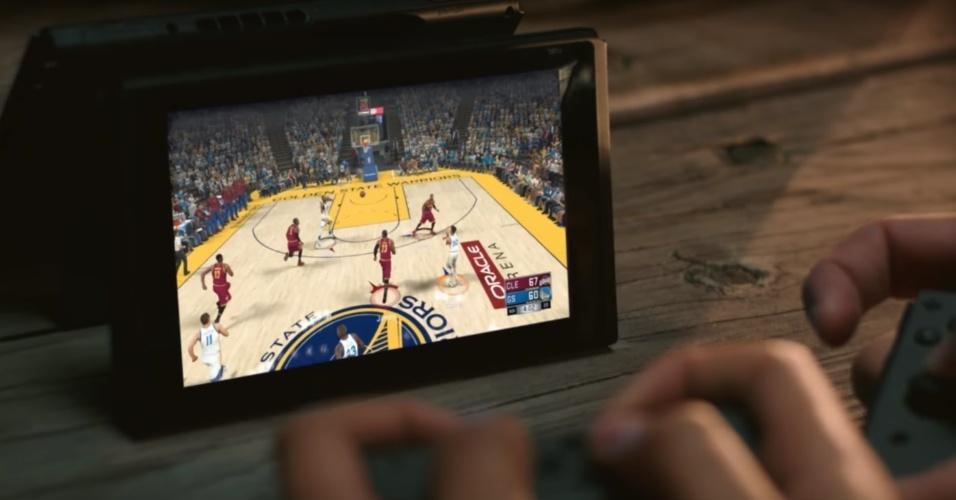 """Jogos de basquete como """"NBA 2K"""" usam as funções inovadoras do console """"portátil"""" da Nintendo"""