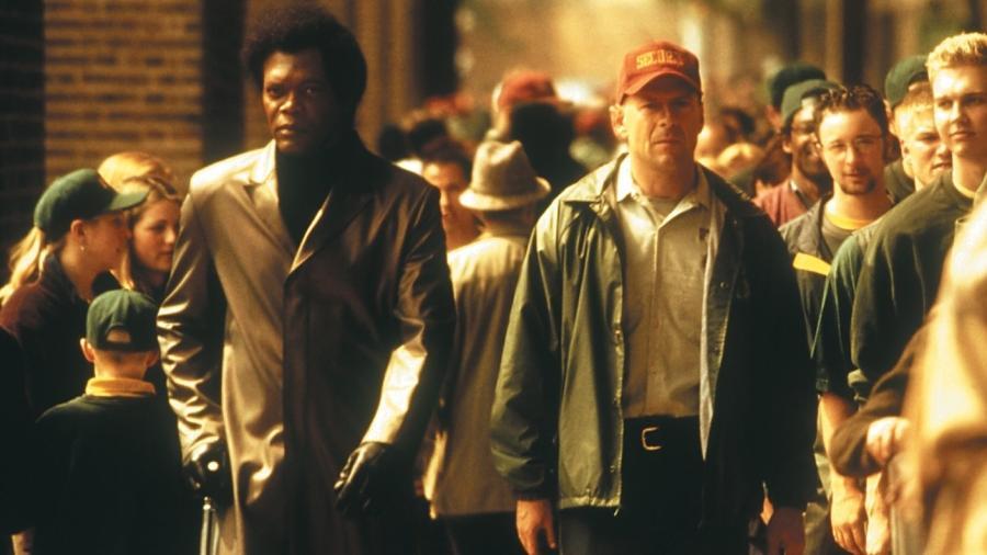 """Samuel L. Jackson e Bruce Willis em cena de """"Corpo Fechado"""" (2000), filme de M. Night Shyamalan - Divulgação"""