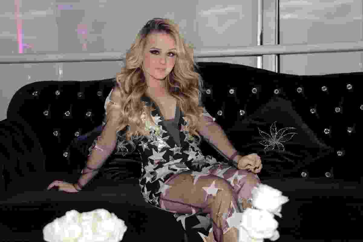 Aos 16 anos, Larissa Manoela faz festa luxuosa em buffet na Vila Nova Conceição, em São Paulo. A atriz surge em vestido de estrelas no evento de comemoração pelos seus 10 milhões de seguidores no Instagram - Marcos Ribas e Manoela Scarpa/Brazil News