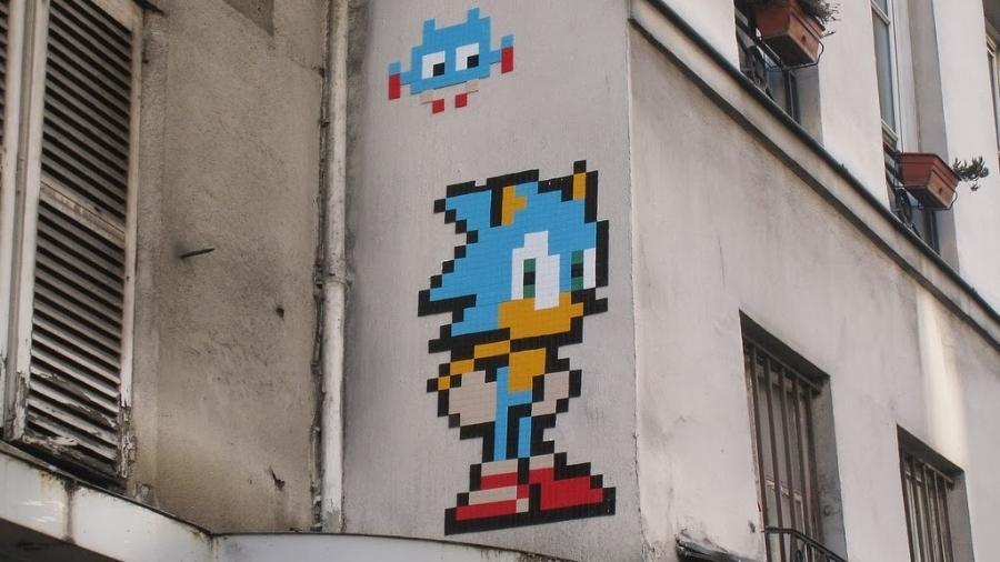 """""""Invaders"""" - mosaicos inspirados em bonecos da primeira geração dos videogames - foram roubados em Paris - Reprodução"""