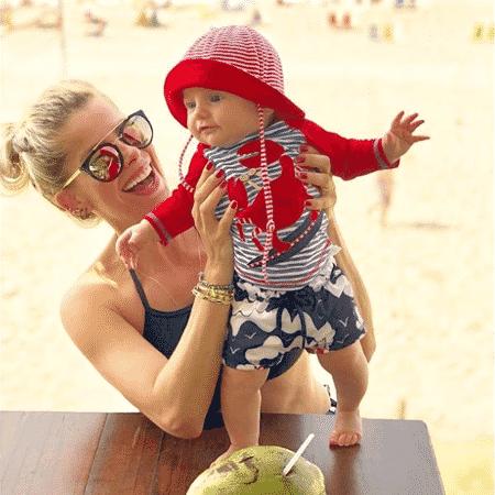 Karina Bacchi e o filho - Reprodução/Instagram/karinabacchi