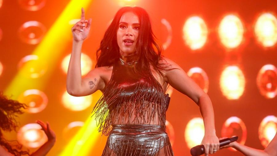 Anitta transformou a orla de Copacabana em um grande baile funk logo após a virada do ano - Roberto Filho/Brazil News