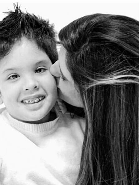 Lucas Begalli e a mãe, Alessandra Begalli Zamora - Reprodução/Facebook
