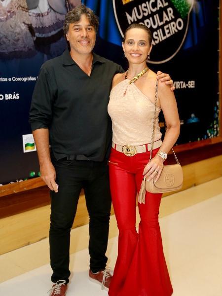 Carla Vilhena vai a espetáculo com o marido - Manuela Scarpa/Brazil News