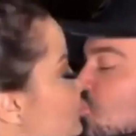 Maiara troca beijos com o cantor sertanejo Fernando, da dupla com Sorocaba - Reprodução/Instagram