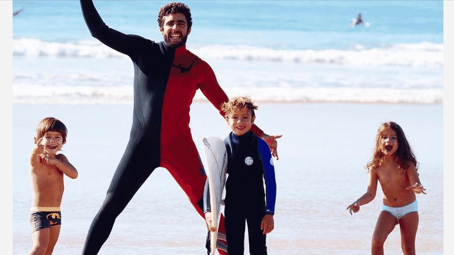 Pedro Scooby com os filhos, Bem, Dom e Liz - Reprodução/Instagram