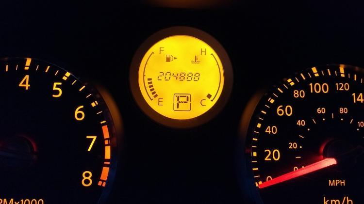cacador-de-carros-nissan-sentra-200-mil-km-rodados-1560951341978_v2_750x421 Parem de exigir carros com baixa quilometragem; o que vale é a manutenção...