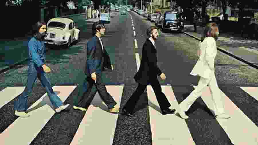 Integrantes dos Beatles na lendária capa do álbum Abbey Road, último gravado pela banda - Reprodução