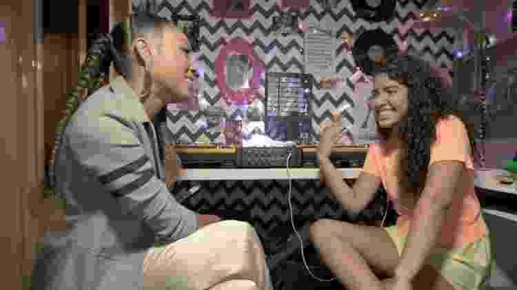 Negra Li descobre o talento e a obstinação de DJ Sophia - Reprodução