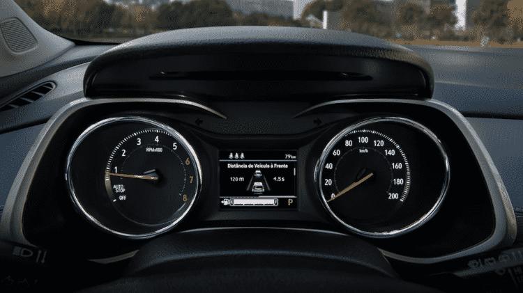 Tracker traz sistema de estacionamento semiautônomo de série na versão Premier; no T-Cross, é opcional - Divulgação