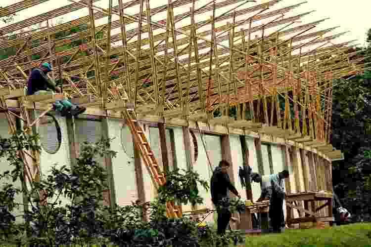 Construção em bambu do Pavilhão das Oficinas do Ekôa Park, em Morretes, no Paraná - Lúcio Ventania - Lúcio Ventania