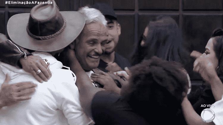A Fazenda 2020: Jojo vai a loucura com a volta de Mateus Carrieri - Reprodução/RecordTV - Reprodução/RecordTV