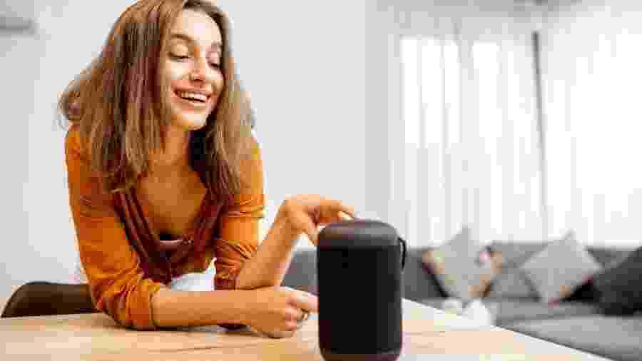 De R$ 120 até R$ 3.000, modernas ou retrô: a caixa de som é um aparelho versátil para ter em casa - iStock / Getty Images Plus
