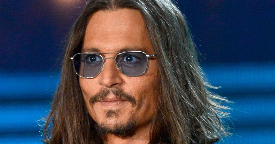 Johnny Depp: o ator queridinho de Tim Burton já teve os cabelos em vários comprimentos, mas, em todos os casos, com um ar rebelde e diferente dos outros atores de Hollywood