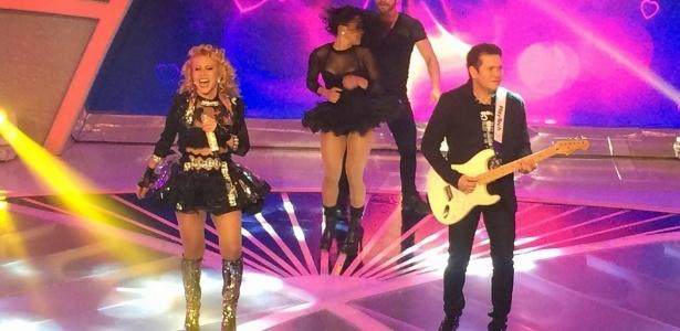 """Joelma e Chimbinha gravam participação da banda Calypso no """"Programa Raul Gil"""""""