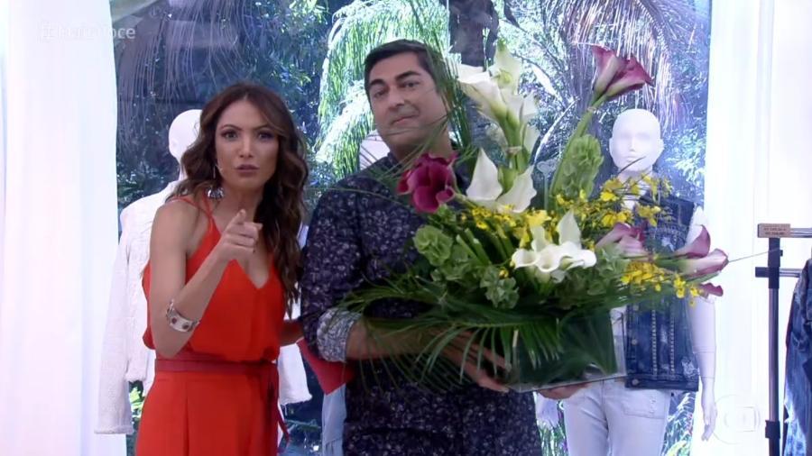 Patricia Poeta recebe de Zeca Camargo flores enviadas por Ana Maria Braga - Reprodução/Globo