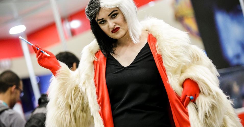 """Cruella de Vil, a carismática vilã de """"101 Dálmatas"""""""