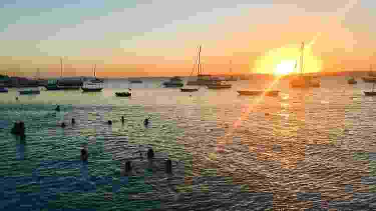 Ver o sol se pôr no mar - Ana Paula Garrido