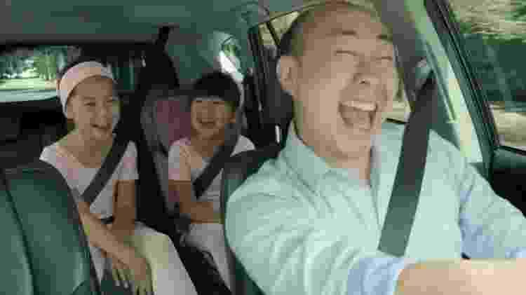 """Pai canta """"Livre Estou"""" com as filhas em comercial da Petrobras - Reprodução - Reprodução"""