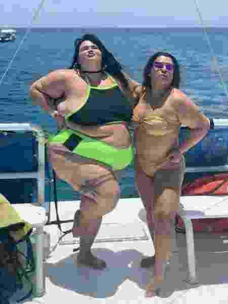 Thais Carla e Preta Gil durante passeio de barco, em Cozumel - Universa