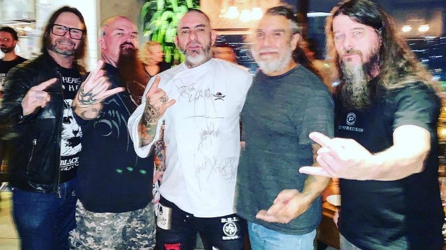 Henrique Fogaça posa com os integrantes do Slayer - Reprodução/Instagram