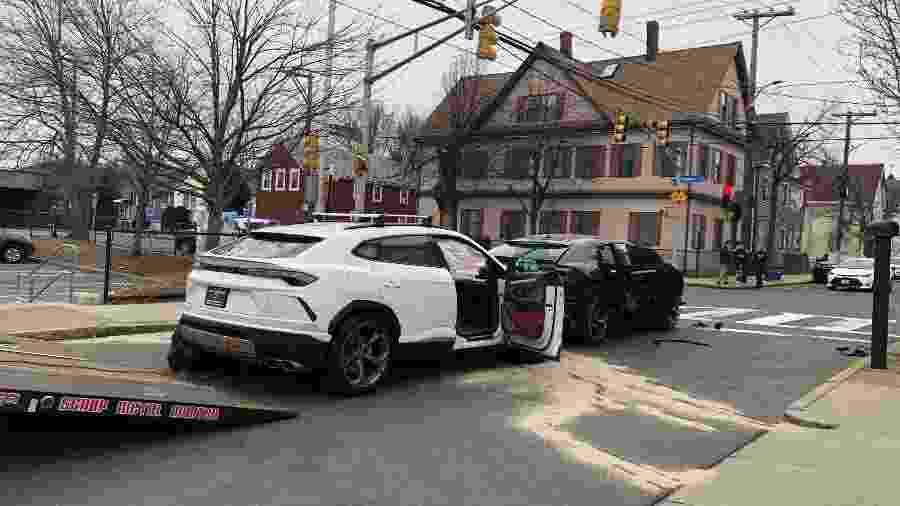 Ladrões roubam e batem duas Lamborghini Urus nos EUA  - Divulgação