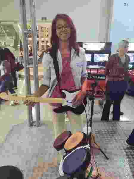 Ana Carolina Rock Band 3 Shopping - Ana Carolina/Arquivo Pessoal - Ana Carolina/Arquivo Pessoal