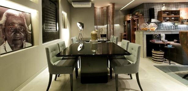 Desenhada por Henrique Gomes e Inês Amorim, sala de jantar ampla tem toque clássico - Rogério Maranhão/ Divulgação