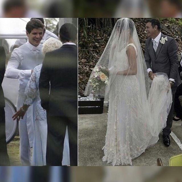 6.dez.2015 - O ator Daniel de Oliveira recebe a noiva Sophie Charlotte das mãos de seu pai, José Mario da Silva
