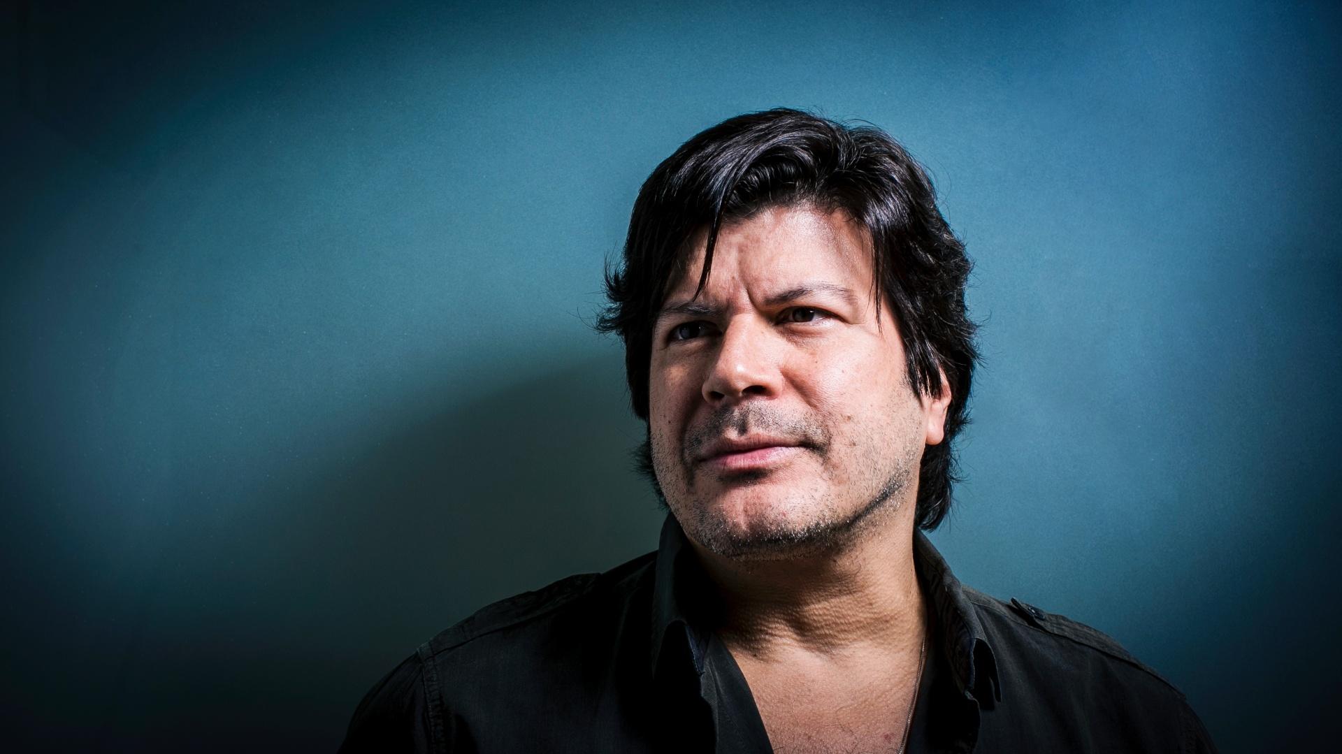 O cantor Paulo Ricardo lança o disco