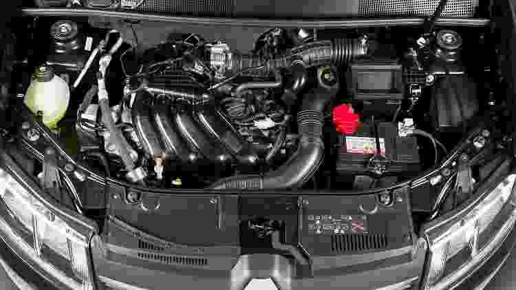 Motor do Renault Logan 1.6 SCe 2017 - Divulgação - Divulgação