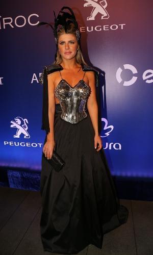 16.fev.2017 -  Iris Stefanelli no Baile de Carnaval da Vogue, no hotel Unique, em São Paulo