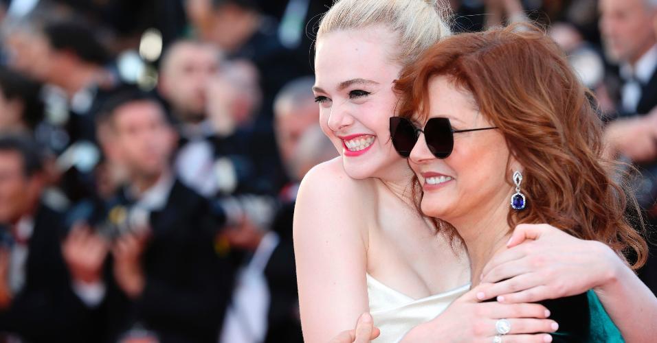 Encontro de gerações: as atrizes Elle Fanning e Susan Sarandon marcam presença na abertira do 70º Festival de Cinema de Cannes