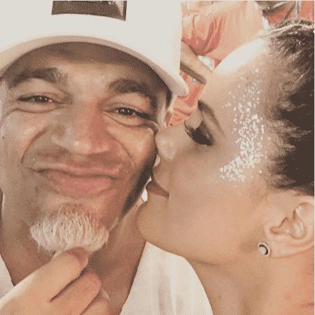 Luciele Di Camargo beija Denilson em Salvador - Reprodução/Instagram/lucieledicamargo