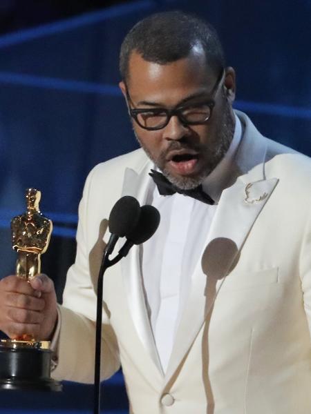 """Jordan Peele recebe o Oscar de melhor roteiro por """"Corra!"""" - REUTERS/Lucas Jackson"""
