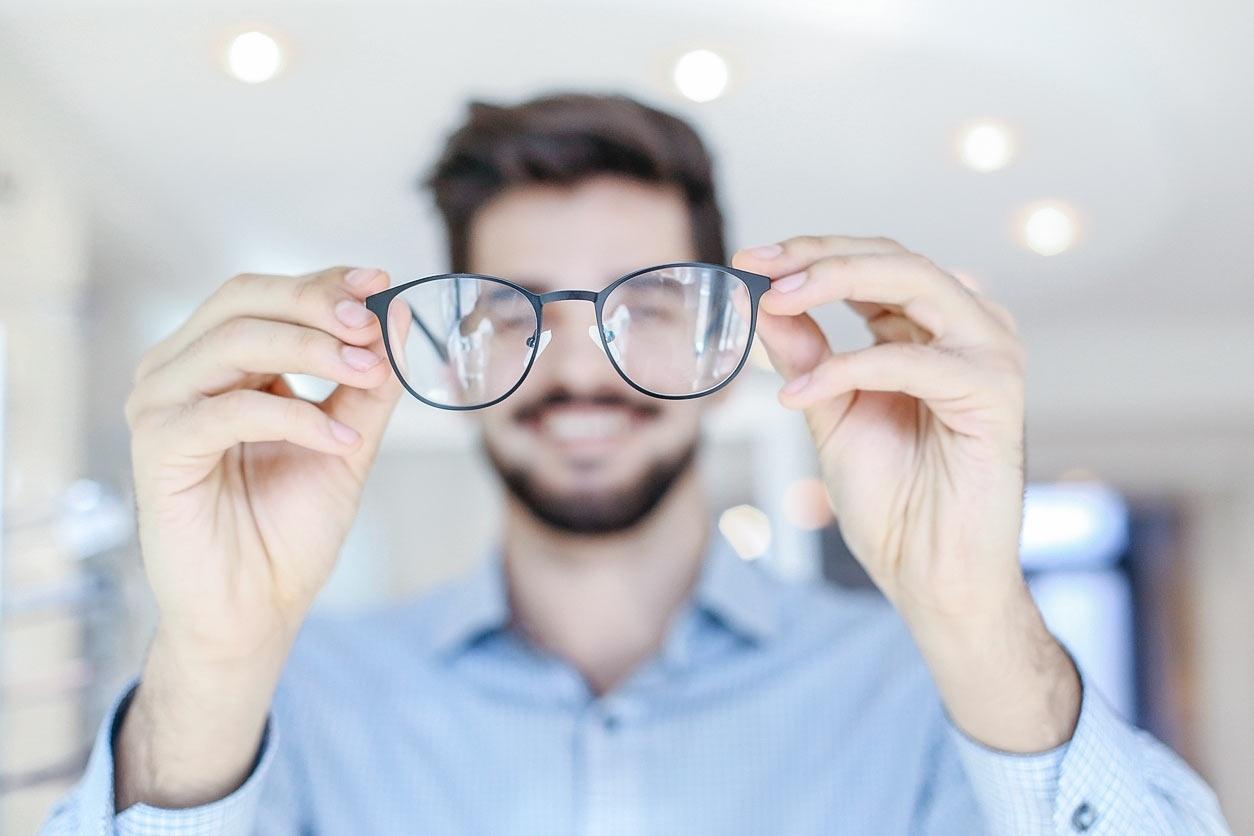 f5304e8a6bf6a 3 conselhos para combater a miopia e ter uma visão melhor - 18 12 2018 -  UOL VivaBem