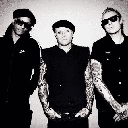 A banda Prodigy, com Keith Flint ao centro - Reprodução/Facebook - Reprodução/Facebook
