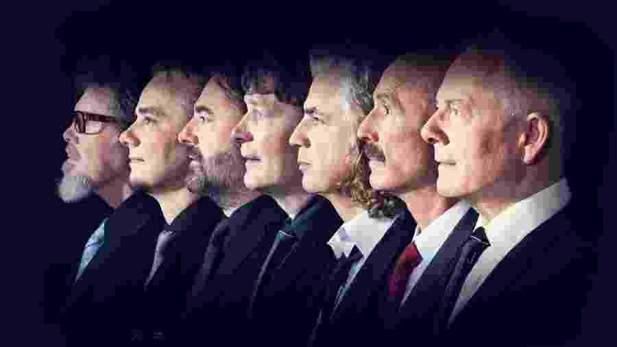 A banda King Crimson com Robert Fripp em primeiro plano - Divulgação