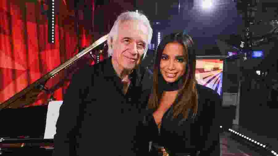 O maestro João Carlos Martins ao lado de Anitta - Globo/ Felipe Martini