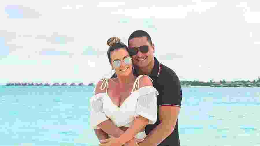 Carla Perez e Xanddy nas Maldivas: 18 anos de casados - Colaboração para o UOL