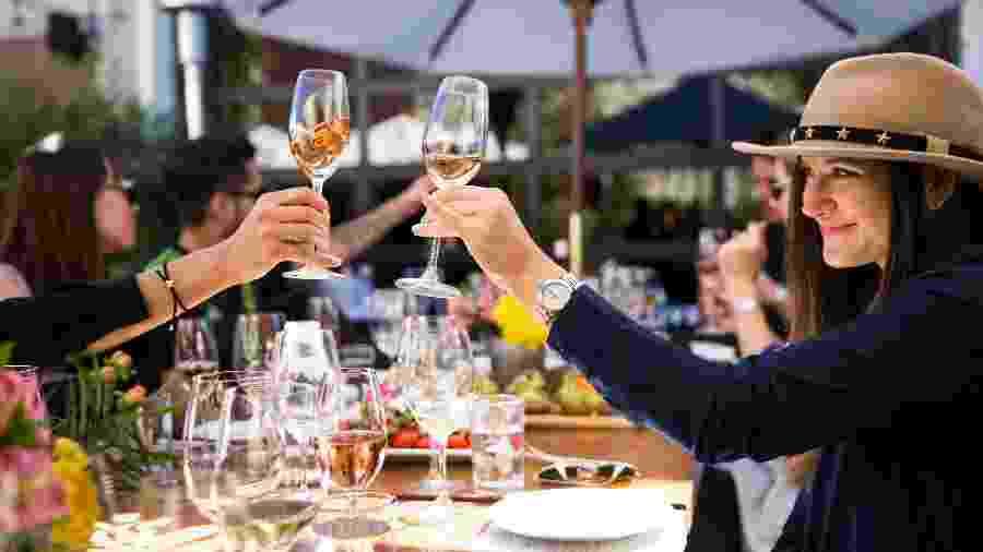 Degustação de vinhos no Les Marchands Wine Bar & Merchant, em Santa Barbara - Divulgação