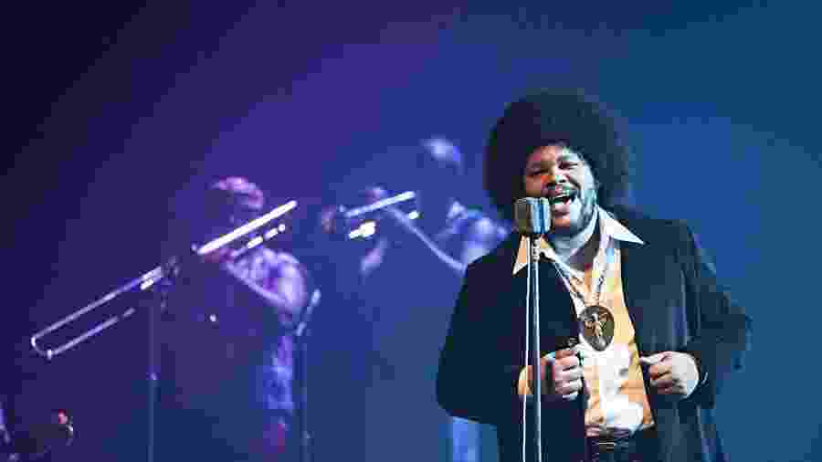 Babu Santana como Tim Maia no filme sobre a vida do cantor - Divulgação