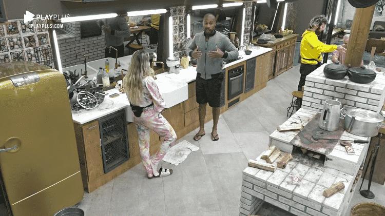Carol Narizinho e Rodrigo Moraes discutem formação de roça - Reprodução/RecordTV - Reprodução/RecordTV