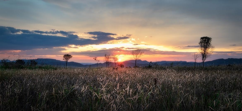 Pôr do sol em Alto Paraíso de Goiás, Chapada dos Veadeiros - iStock/Getty Images