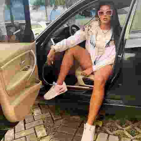 Pocah posa para foto no seu BMW X4 - Reprodução - Reprodução