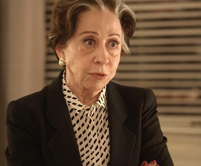 Com o áudio da conversa de Beatriz e Murilo arquitetando o assassinato de Evandro, Teresa vai pressionar a vilã a confessar seus crimes